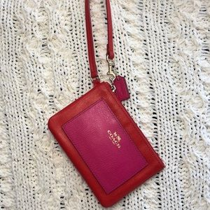🍒RED AND PINK COACH WRISTLET WALLET🍒